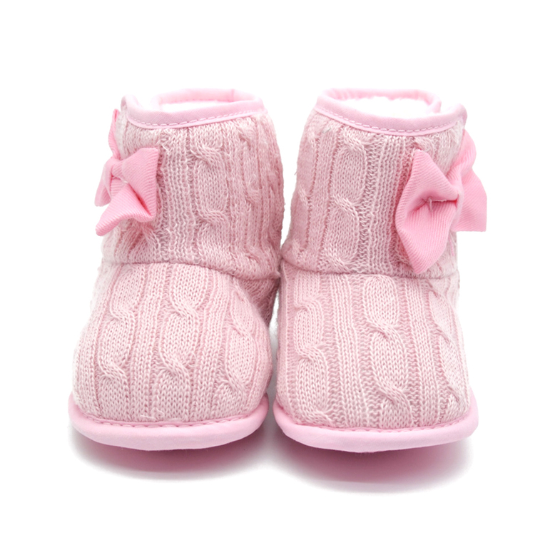 It won't take long to make this pair of boots to keep baby's little toes warm. We show them in neutral tan, but it would be fun to crochet them in a whole rainbow of colors.5/5(1).